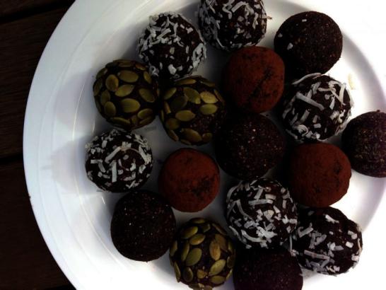 gezonde tussendoortjes - maca chocolade ballen